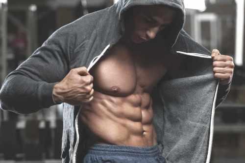 Los 6 ejercicios más efectivos para marcar tu abdomen según la ciencia