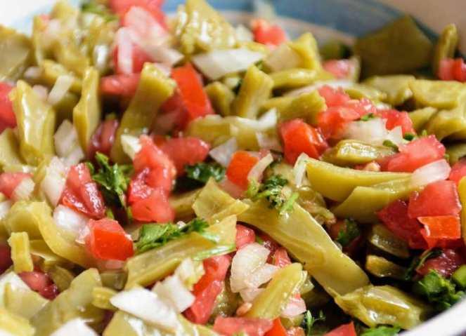 El nopal es una comida mexicana famosa a nivel mundial, que ayuda a disminuir los niveles de glucosa.