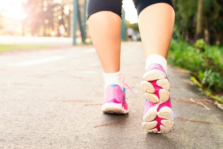 A qué velocidad debes caminar para vivir más tiempo según la ciencia