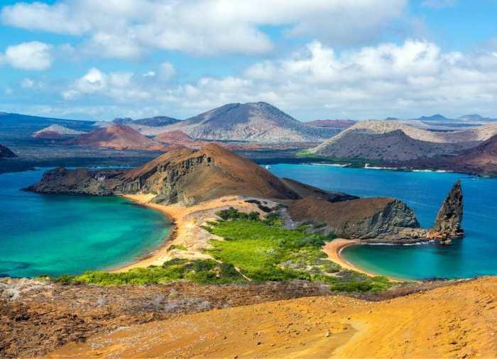 """Conocidas en el mundo como """"Las Islas Encantadas"""", las paradisiacas Islas Galápagosse encuentran en el Ecuador y constituyen un archipiélago del Océano Pacífico."""