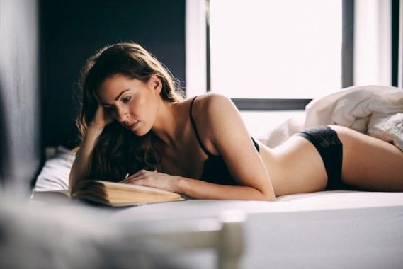 5 Libros eróticos que no pueden faltar en tu mesa de noche