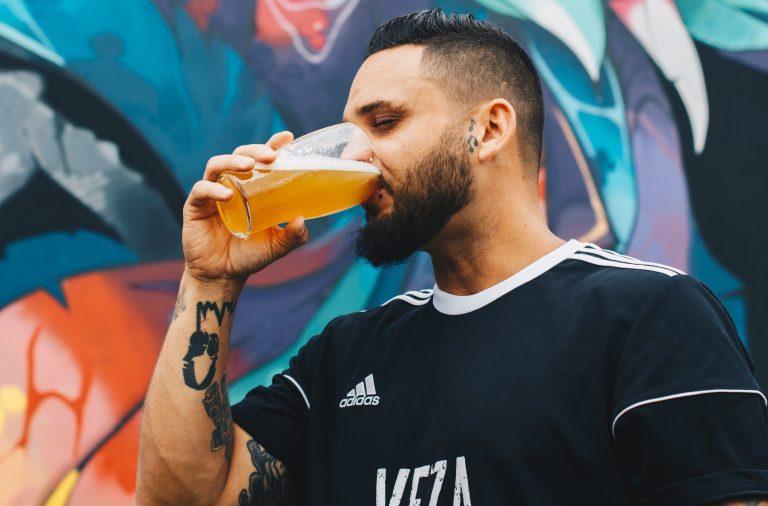 ¿Es bueno beber cerveza después de hacer ejercicio?
