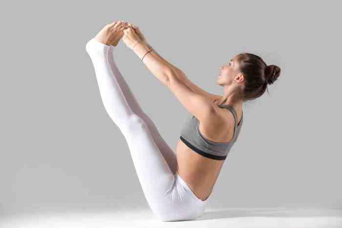 Tu rutina de ejercicios no podría estar completa, si no haces tres series de 15 abdominales, que te ayudarán a fortalecer el core