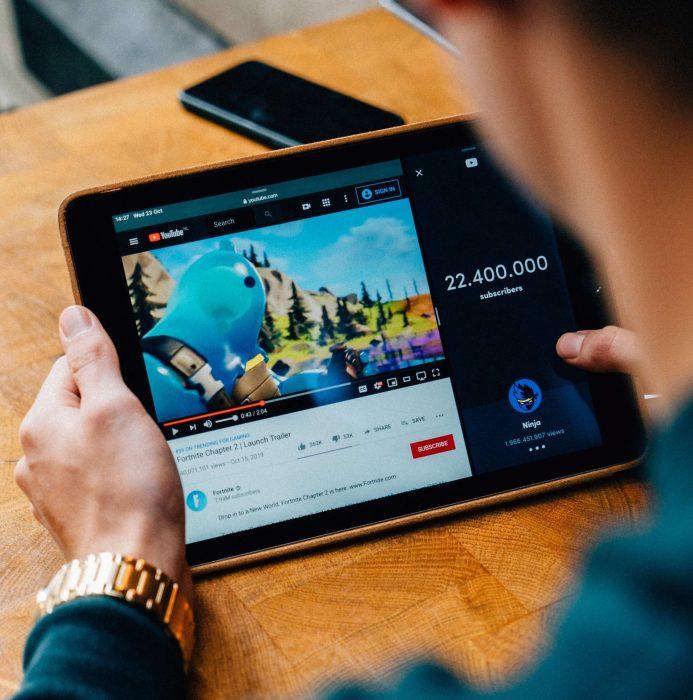 Fortnite: Apple y Google eliminan el videojuego de sus tiendas
