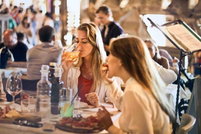 Comer rápido aumenta el riego de padecer diabetes y obesidad