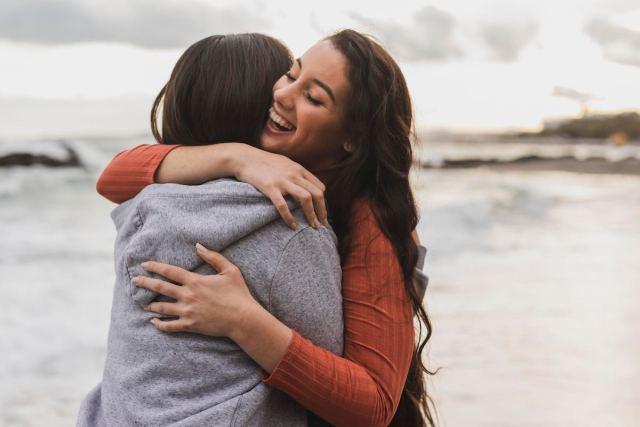 Poder de un abrazo: 6 razones por las que abrazar es bueno para tu salud