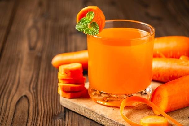 Llevar una dieta rica en omega-3, luteína, beta caroteno, zinc, y vitaminas A, C y E es básico para cuidar los ojos.
