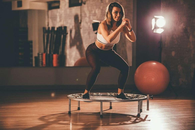 Saltar en trampolín, el ejercicio perfecto para mantenerte en forma