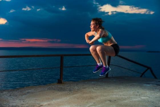 Los burpees son el mejor ejercicio de calistenia para bajar de peso