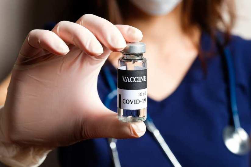 Pfizer podría aplicar tercera dosis de la vacuna contra variantes de Covid