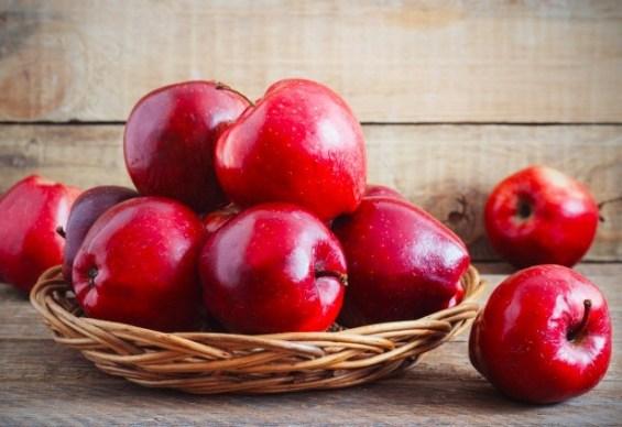 La manzana red delicious aporta la fibra para ayudar a tu sistema digestivo