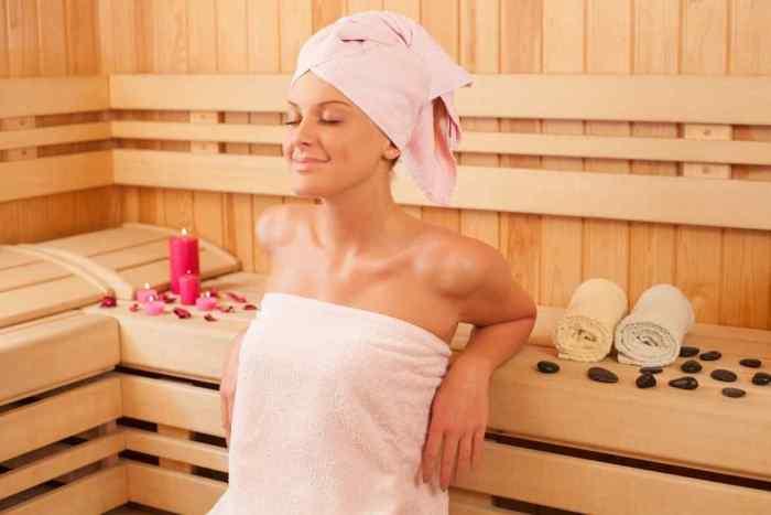5 Secretos del baño sauna que benefician tu salud y belleza corporal