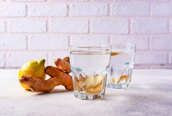 Sin duda el té de jengibre es uno de los mejores remedios naturales que pueden existir para quitar la inflamación.