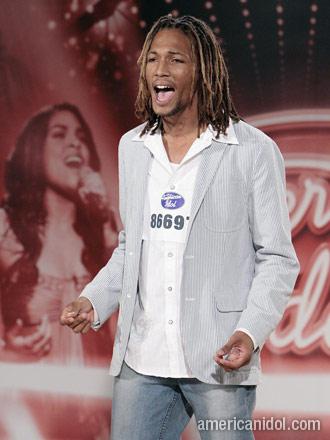 chris-watson-american-idol-2013-singing