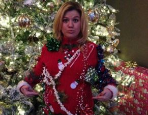 Kelly Clarkson pregnant at Christmas