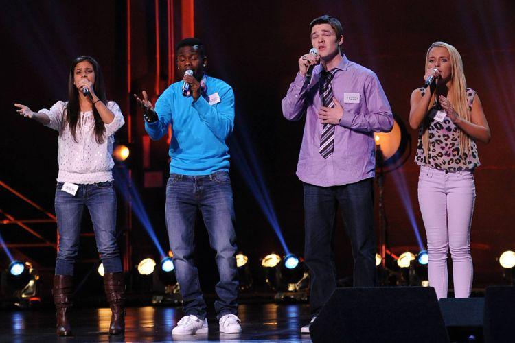 Groups perform in Hollywood Week 01