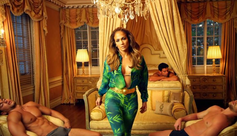 "Jennifer Lopez in ""I Luv Ya Papi"" – 02"