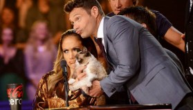 Ryan Seacrest and Jennifer Lopez with Grumpy Cat
