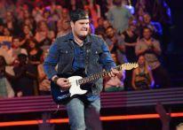 American Idol 2014 finalist Dexter Roberts