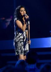 Jena Irene sings on Top 8 week