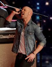 daughtry-performs-idol-2014-02