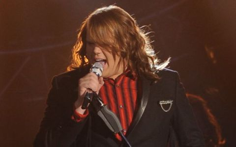 Caleb Johnson performs on American Idol 2014