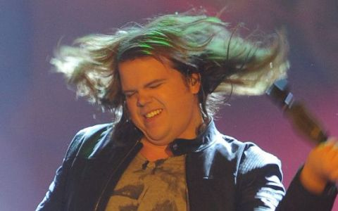 Caleb Johnson gets wild on American Idol 2014