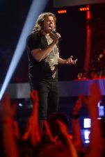 american-idol-2014-top-3-performances-caleb-02