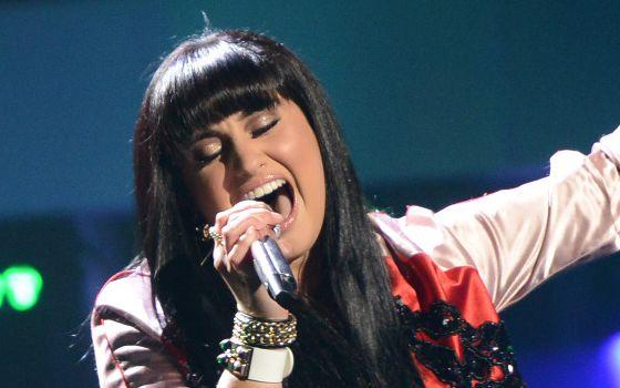 Jena Irene performs on American Idol 2014