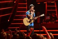 american-idol-2014-top-5-performances-sam-woolf