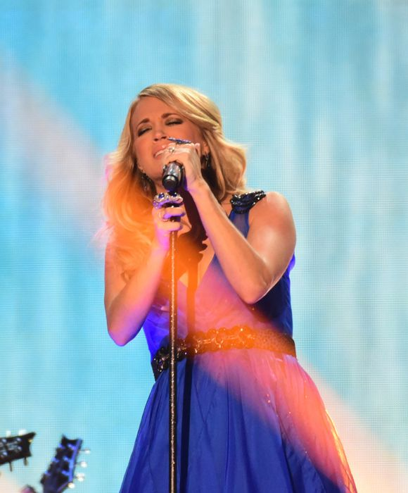 Carrie Underwood performs at the ACCAs 2014 – 01