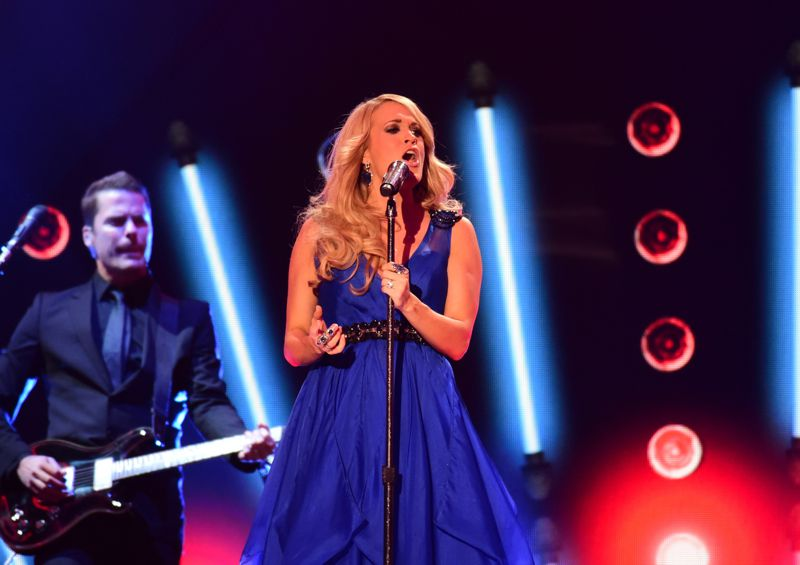 Carrie Underwood performs at the ACCAs 2014 – 04