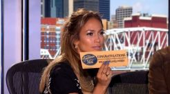 Jennifer gives out tickets to Hollywood