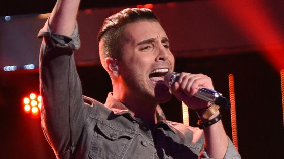 Nick Fradiani performs on American Idol 2015