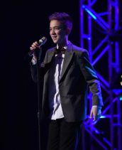 Daniel Seavy performs in Top 8