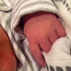 Carrie Underwood shares first baby photo