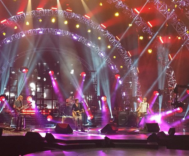 Keith performs in Idol rehearsal