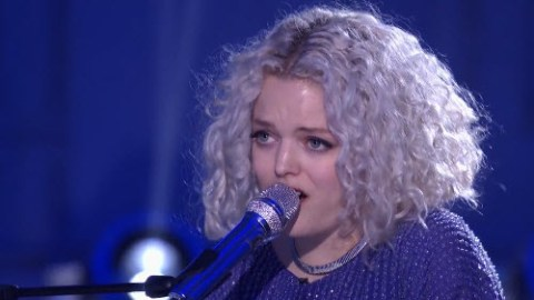 Jenn Blosil American Idol Top 24 (FOX)