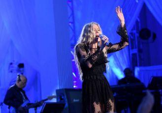 Emily Brooke on American Idol 2016 Top 24