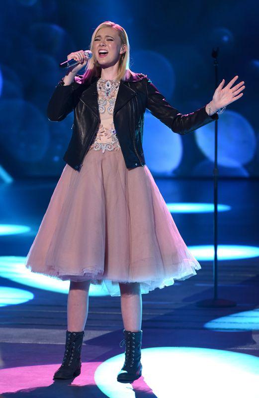 american-idol-2016-top-10-12-olivia-rox