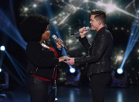 La'Porsha Renae and Trent Harmon perform on American Idol 2016. (Fox)