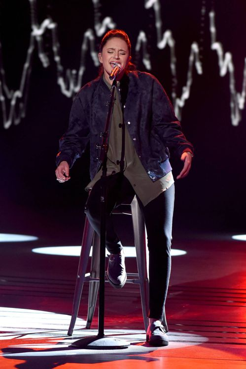 american-idol-2016-top-8-avalon-young