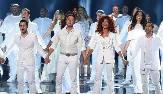 American Idol 2016 Finale featuring past contestants