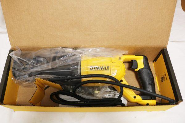 DeWalt DWE305 Reciprocating Saw open box