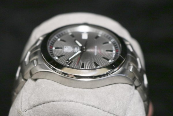 Tag Heuer Tiger Woods side 1