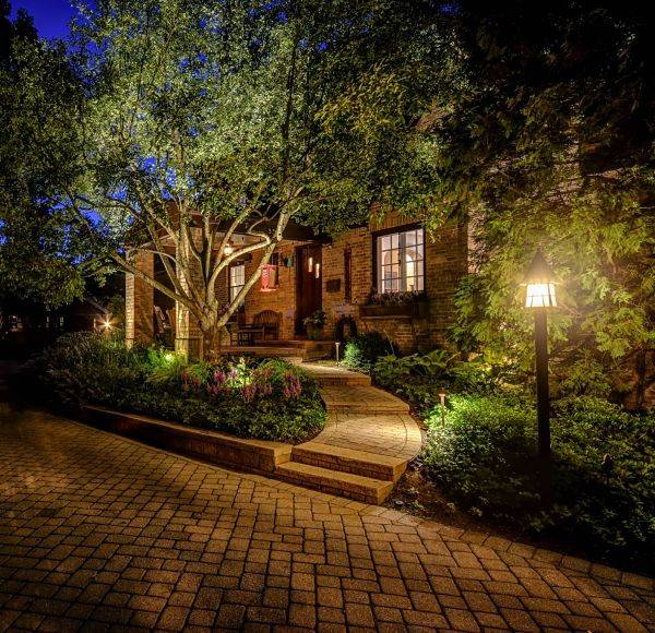 https americannationalco com how to install low voltage landscape lighting