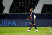 Neymar Jr., abandonaba el campo tras el partido de Liga de Campeones