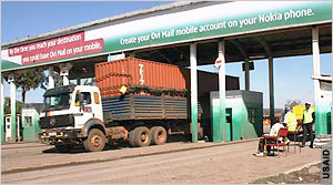 01114013_Kenya_border_crossing_300