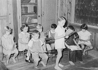Schoolchildren at the Lake Dick Project. Arkansas, October, 1938. Photo by Russell Lee.