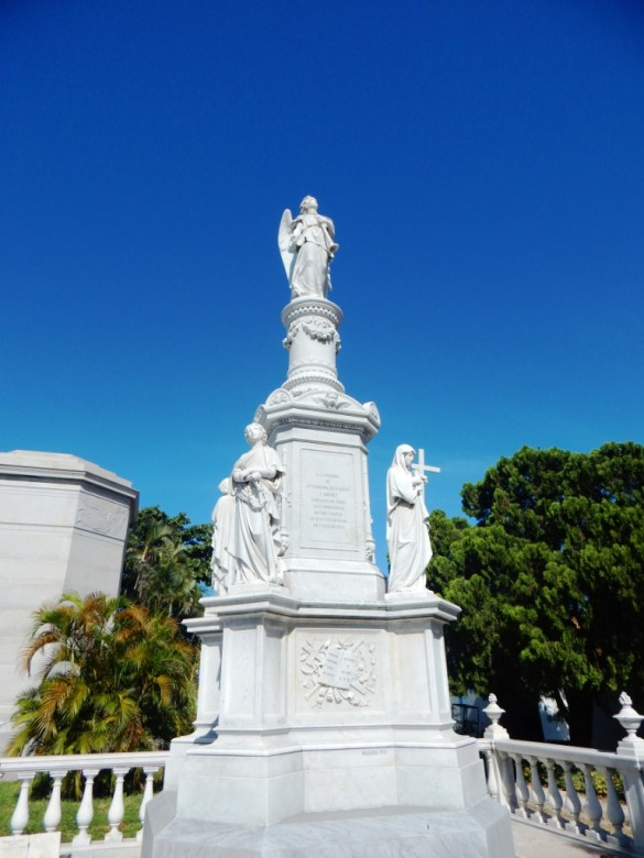 monuments and mausoleums in Colon Cemetery